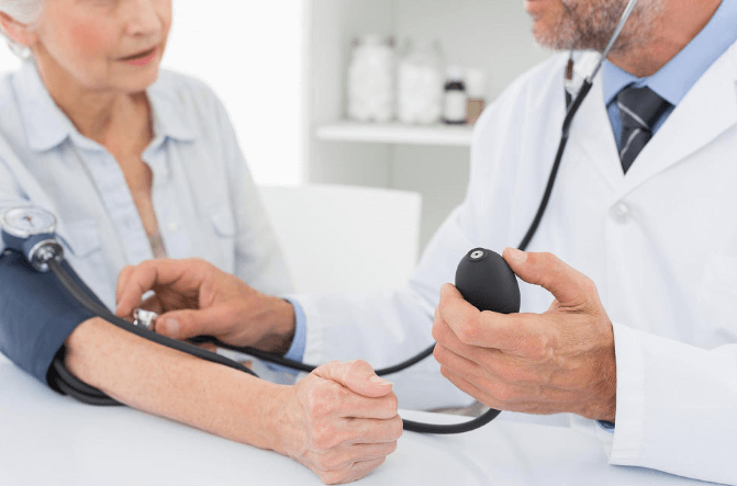 在宅医療普及がなぜ求められるのか?今後必要なことは?