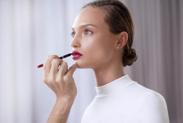 2016年化粧品市場規模2兆円から考える、女性の心を掴む戦略