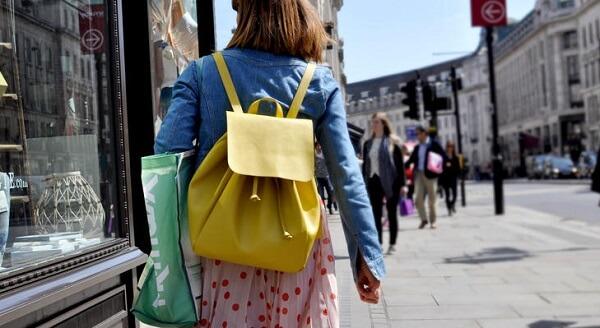 売って買う・買って売る消費者増加 企業の競合は「消費者」へ