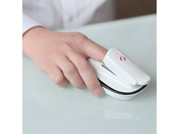 指1本で簡単に糖質測定できるモニターが登場