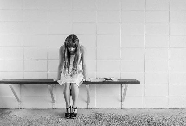 うつ傾向がある人が感じる精神的不調と身体的不調とは?