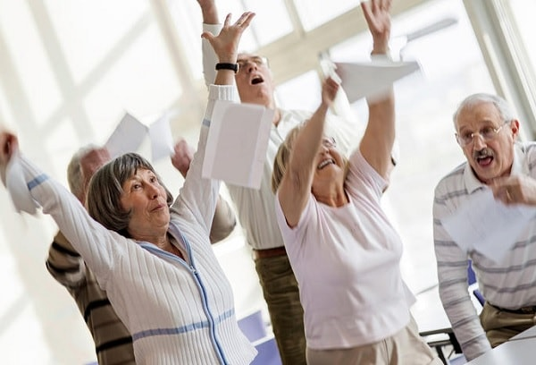 シニアに人気「きくち体操」 体だけでなく心にも好影響か