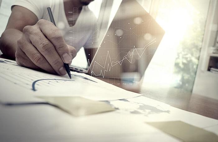 高齢者向けテクノロジー市場規模 2030年に18兆円
