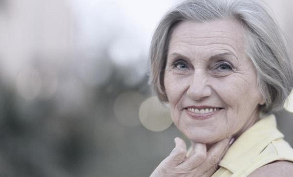 長生きに否定的な女性、50%超える