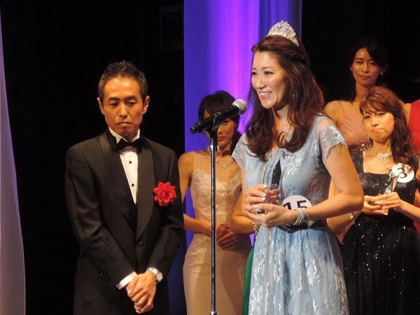 第8回「国民的美魔女コンテスト」グランプリはケアマネージャー